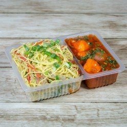 CHINESE COMBO NOODLE WITH CHILLI PANEER GRAVY